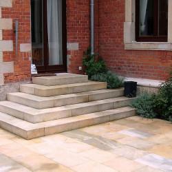 Kalkstein Blockstufen Weiß 15 x 35