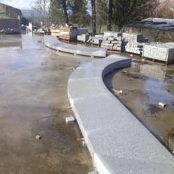 Kalkstein Terrassen Platten weiß 3 cm 80 x 80 cm sandgestrahlt